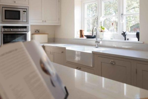 deerfold-real-cottage-kitchen-gallery-10