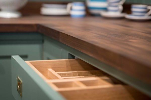 green-shaker-kitchen-hunter-image-15