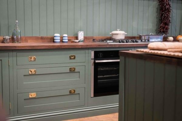 green-shaker-kitchen-hunter-image-17
